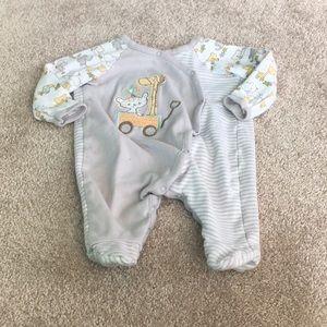 5/$30 Koala Baby Footed Sleeper 0-3